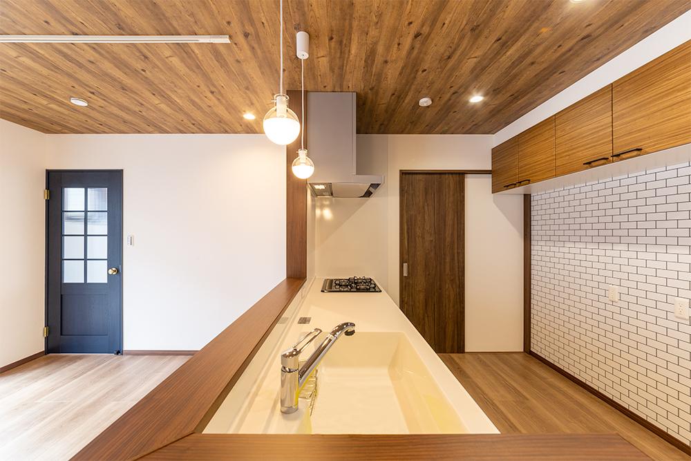 家事動線の良い対面キッチン