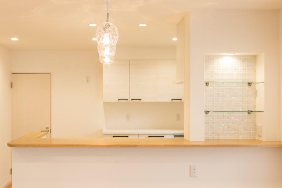 キッチンの壁厚造作棚